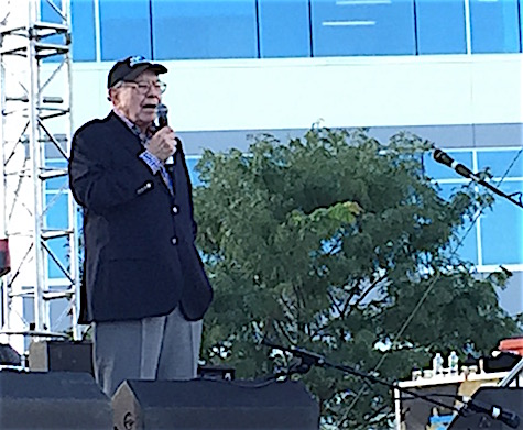 "Warren Buffett sings an a capella version of ""Feelings"" during Maha. It was... touching."