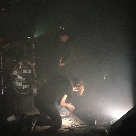 APTBS's Oliver Ackermann tries to grind off his guitar strings with a strobe light.