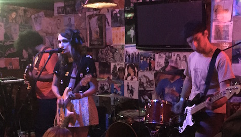 Speedy Ortiz at the unofficial Maha afterparty at O'Leaver's, 8/15/15.
